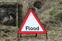 image of a flood warning sign
